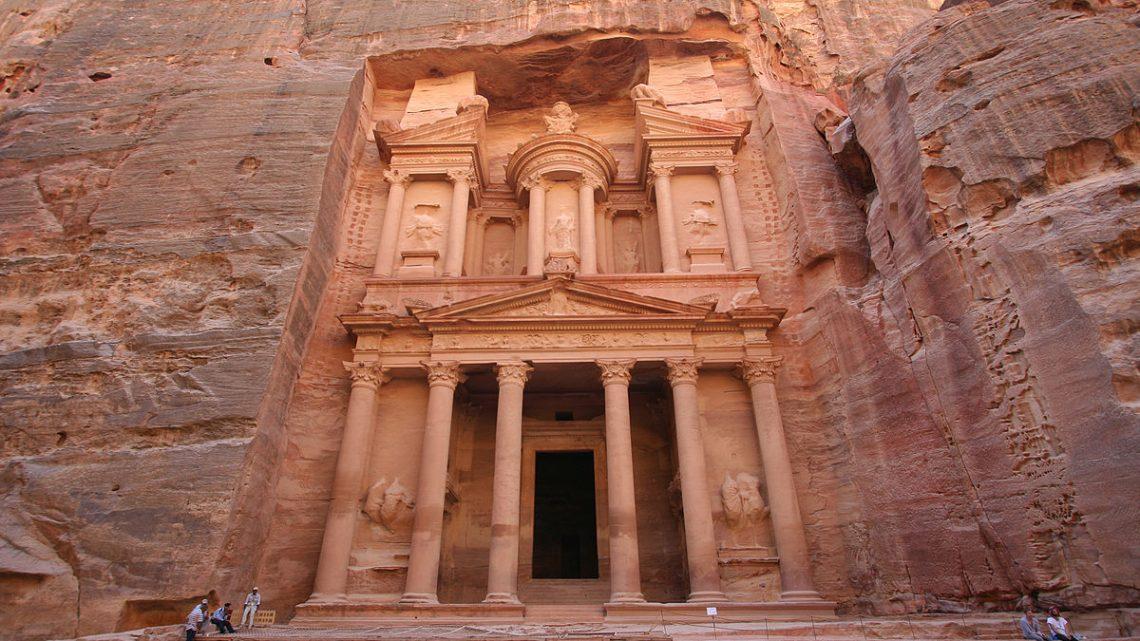 Petra completa 200 anos de sua redescoberta com música